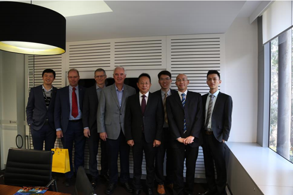 Mr. Boqing Zhang and his officers met with Prof. Phil Hogg, founder of Cystemix Technology