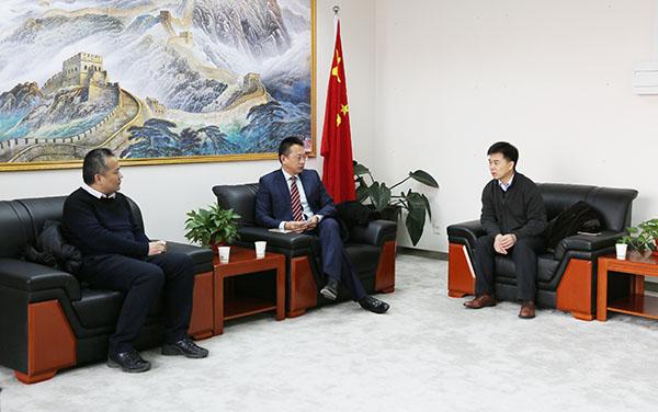 贝罗尼集团董事局主席张伯清先生与南大生科院代表会谈