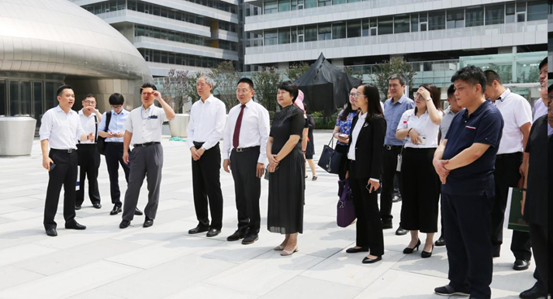 The representatives from both sides visiting Jinke•Zhihui Valley